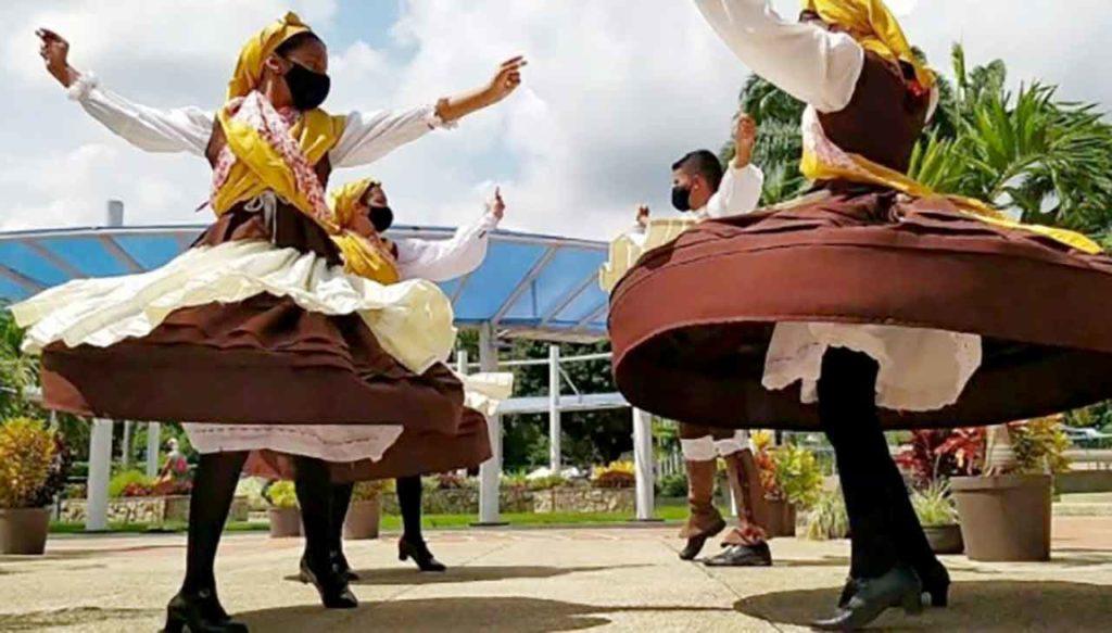 En la imagen, la Agrupación Cultural Aires da Terra de la Hermandad Gallega de Valencia (Venezuela).
