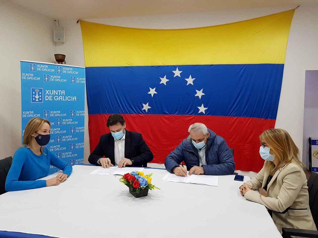 Antonio Rodríguez Miranda y Manuel Pérez Vidal firmaron el convenio de colaboración.