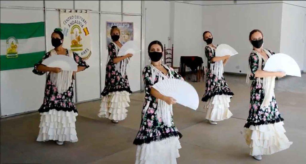 Actuación del grupo de baile del Centro.