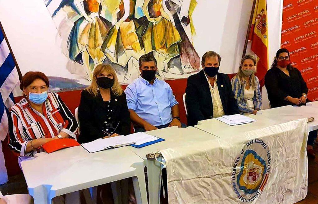 Javier Carballal y Jorge Torres en el centro de la mesa que presidió la reunión de FIEU.