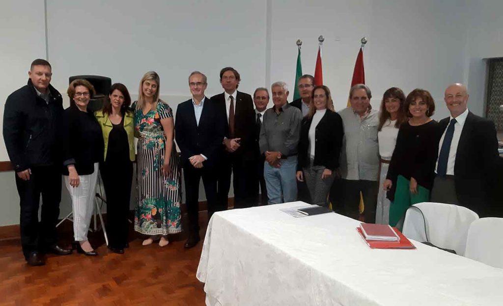Los miembros del CRE de Sao Paulo con el anterior director general de Migraciones, José Alarcón, en marzo de 2019.