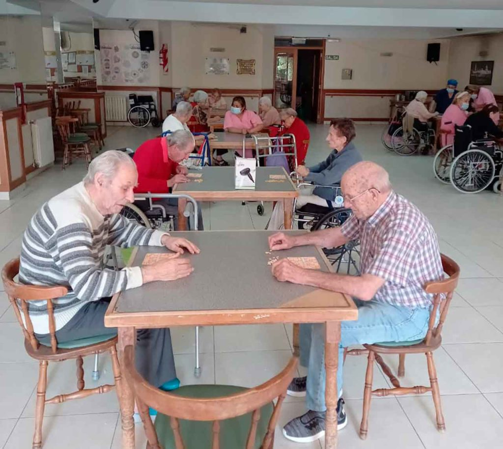 Residentes del Club Tinetense.