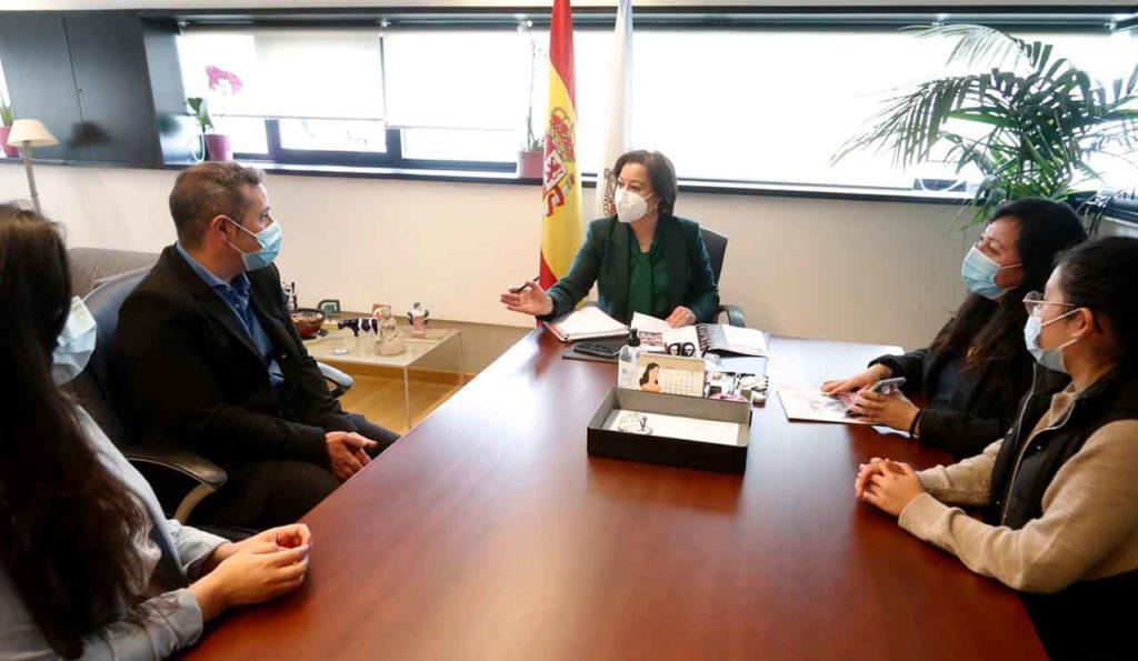 López Abella ratificó el apoyo del Gobierno gallego a las mujeres migrantes.