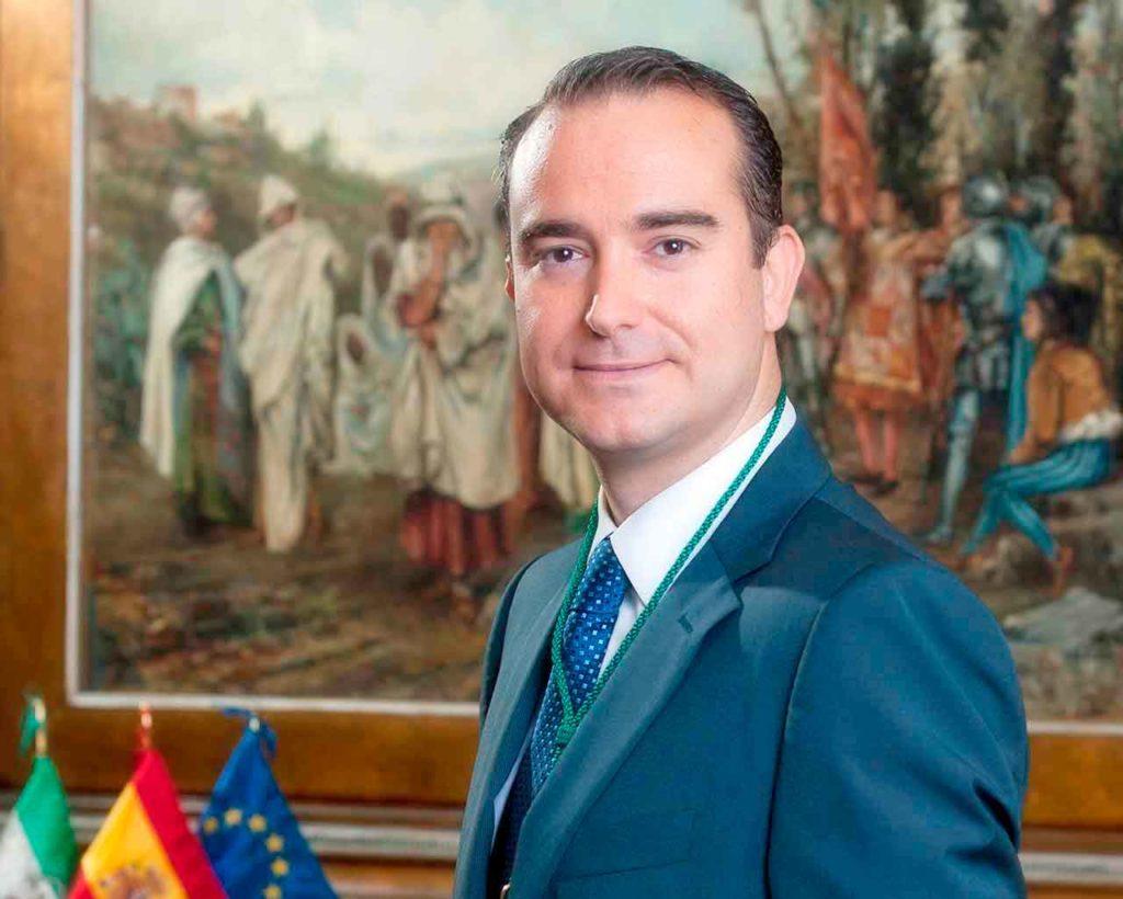 Amós García Hueso.
