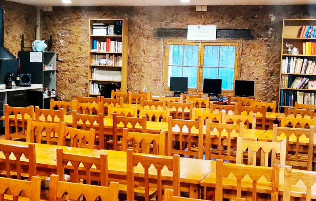 Foto de archivo realizada en la sede de Xuntanza de Asociacións Galegas en Cataluña, tras las obras de mejora de la misma.