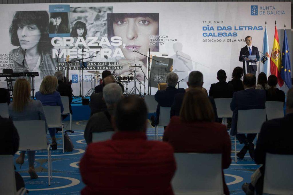 El presidente de la Xunta, Alberto Núñez Feijóo, durante su discruso en el acto institucional celebrado por el Día das Letras Galegas.