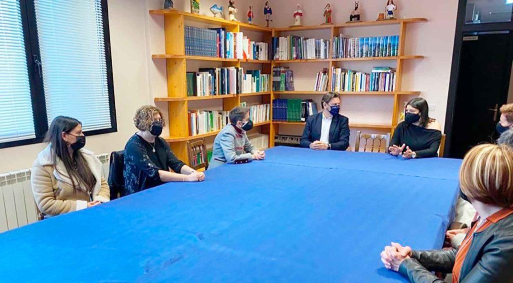 Reunión de Miranda con la directiva del Centro Galego de Álava.