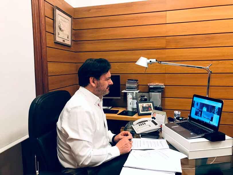 Rodríguez Miranda en la reunión telemática con los representantes de centros gallegos en Panamá, Costa Rica, México y Puerto Rico.