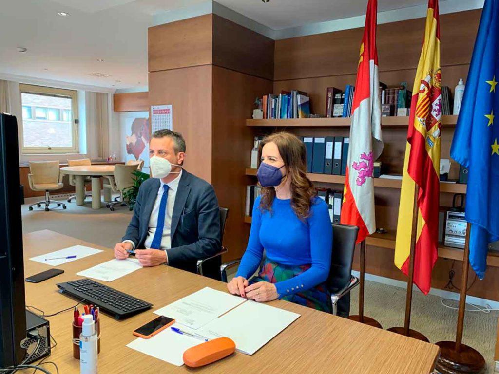 Ana Carlota Amigo presentó el nuevo programa de ayudas en una reunión telemática con los miembros de la Mesa del Autónomo.