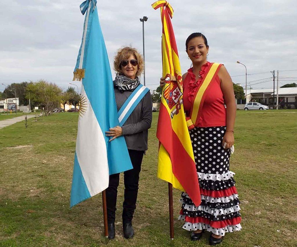 Las representantes de la entidad española.