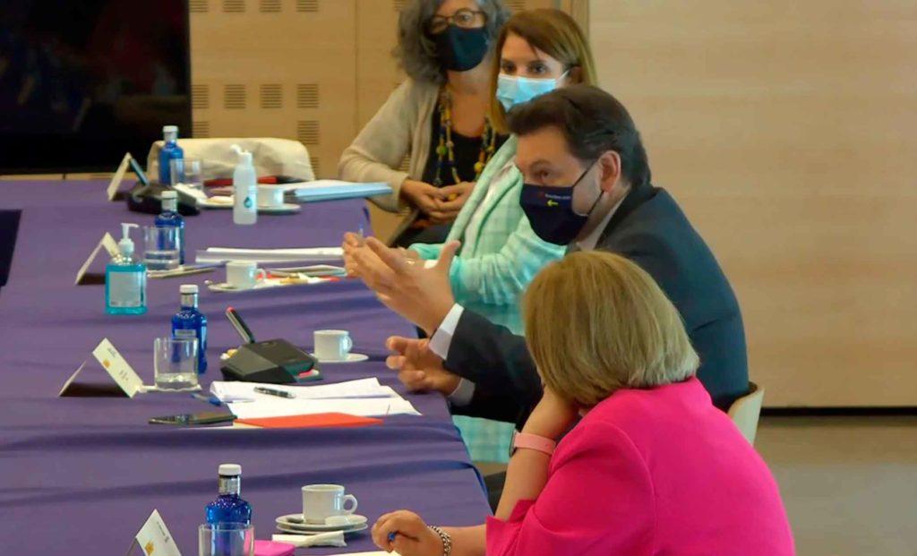 El secretario xeral da Emigración, durante su intervención en la reunión celebrada en la capital de España.