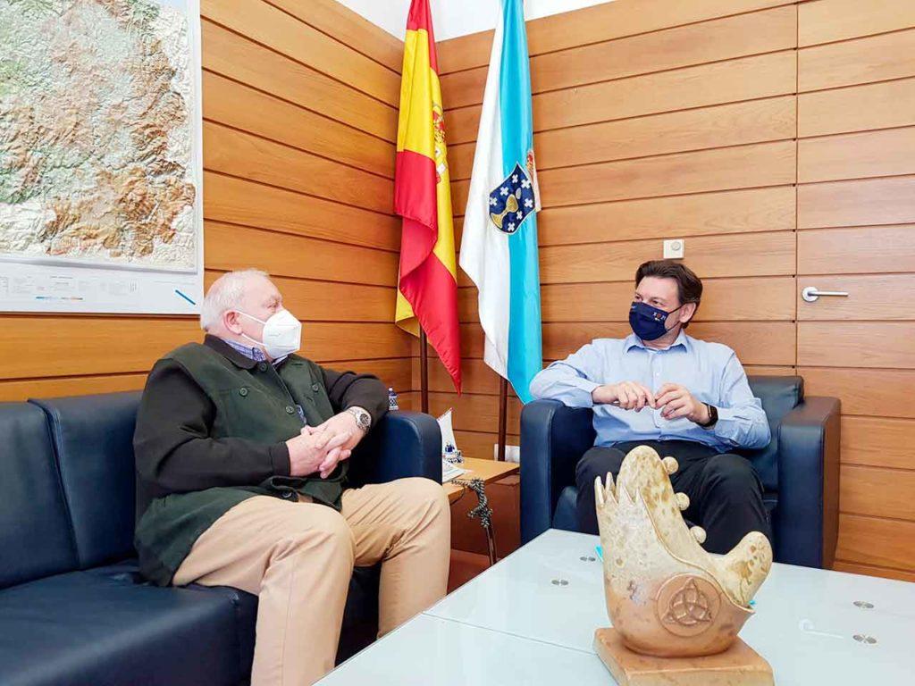 Miranda y Filgueira durante la reunión celebrada en la sede de Emigración en la capital de Galicia.