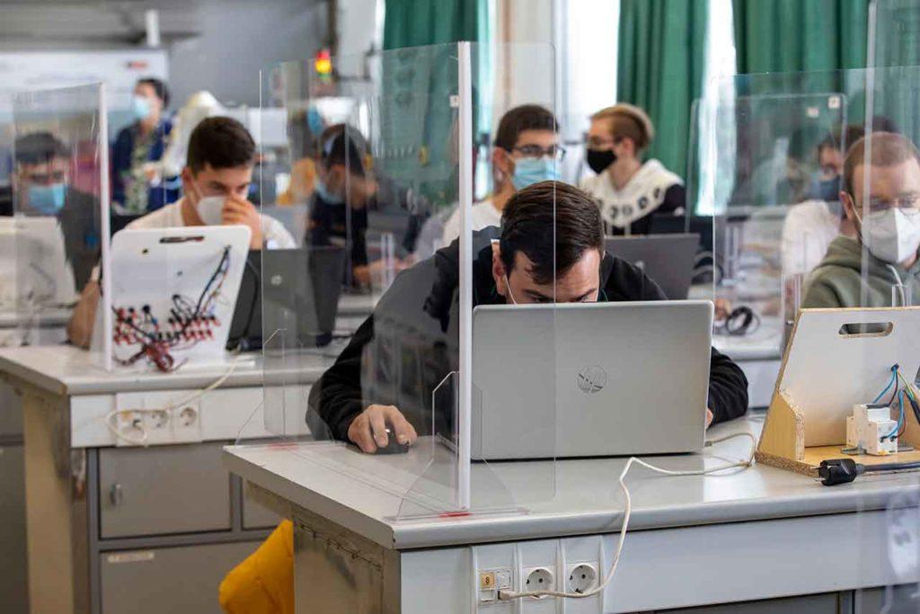 A estas plazas de Formación Profesional también pueden optar los emigrantes retornados.