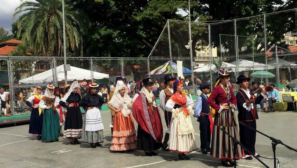 Un acto en el Hogar Canario Venezolano de Caracas.