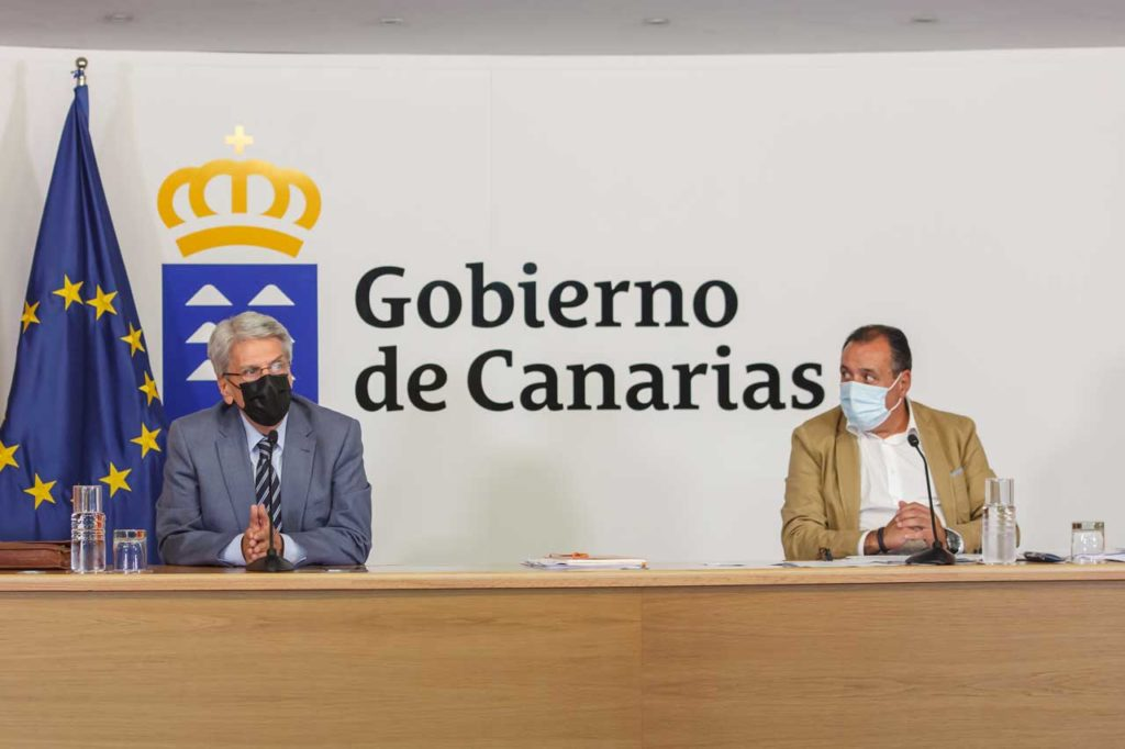 Julio Pérez y el consejero de Sanidad, Blas Trujillo, justificaron el recurso.