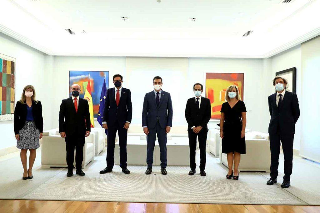 José Alarcón, a la derecha, con el presidente Pedro Sánchez y otros altos cargos tras la toma de posesión el pasado 28 de julio.