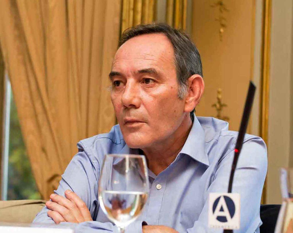 El director general de Migraciones, Santiago Yerga.