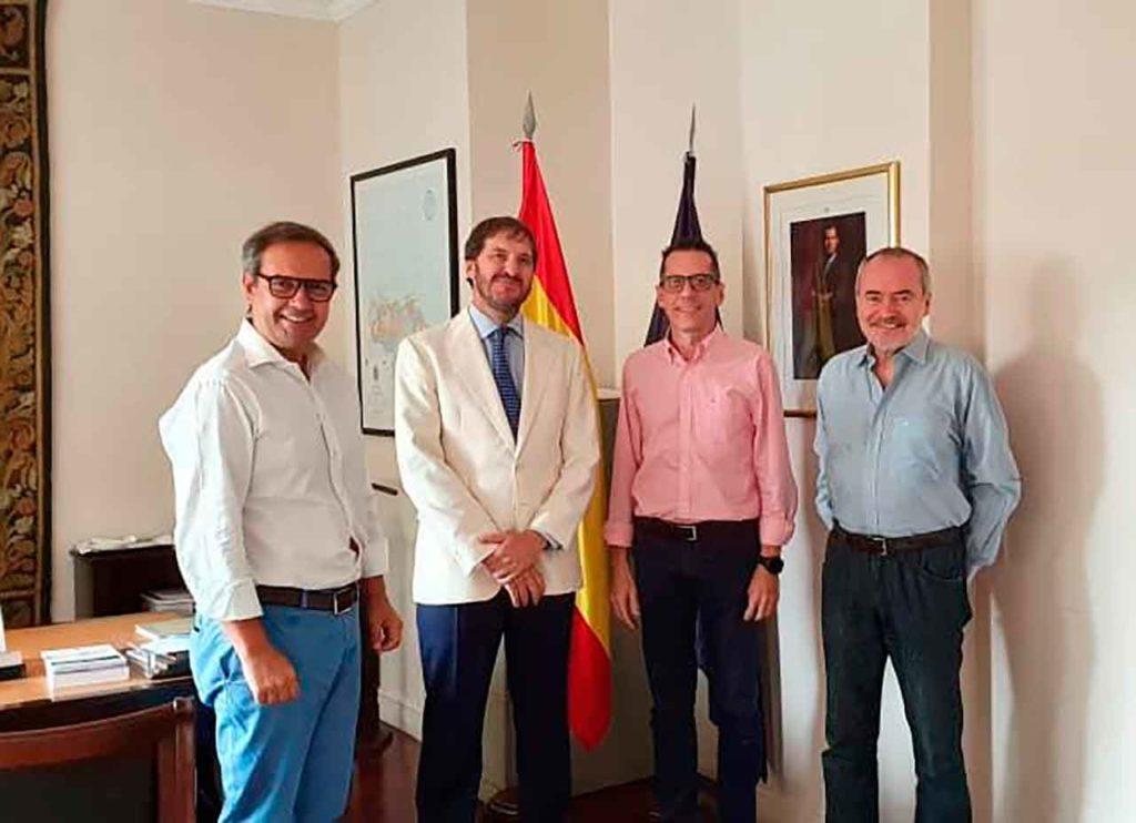 José Antonio Alejandro González, secretario general de Feceve, Rodrigo Campos, Roberto González Pérez y Juan Coronas, director de Feceve.