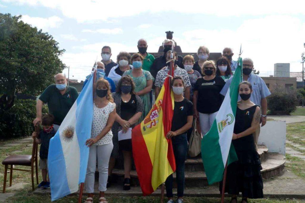 Grupo de una comunidad andaluza en Argentina.