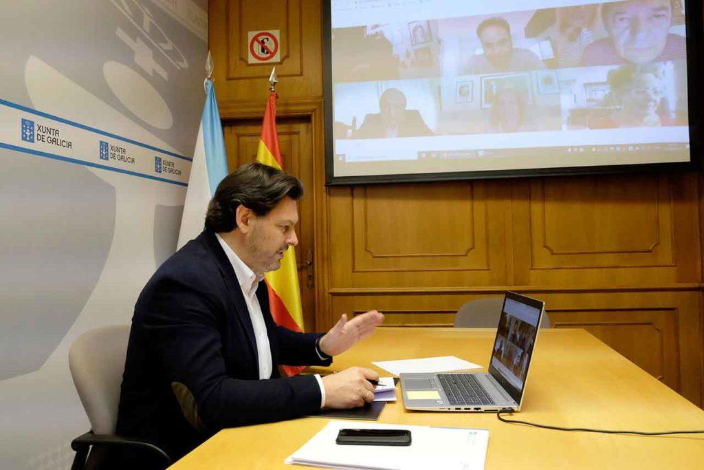 Antonio Rodríguez Miranda en una videoconferencia con directivos de centros gallegos en Argentina.