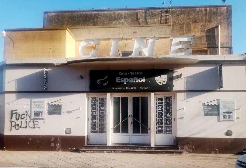 Fachada del cine-teatro español de la Sociedad Española de Adolfo Alsina.