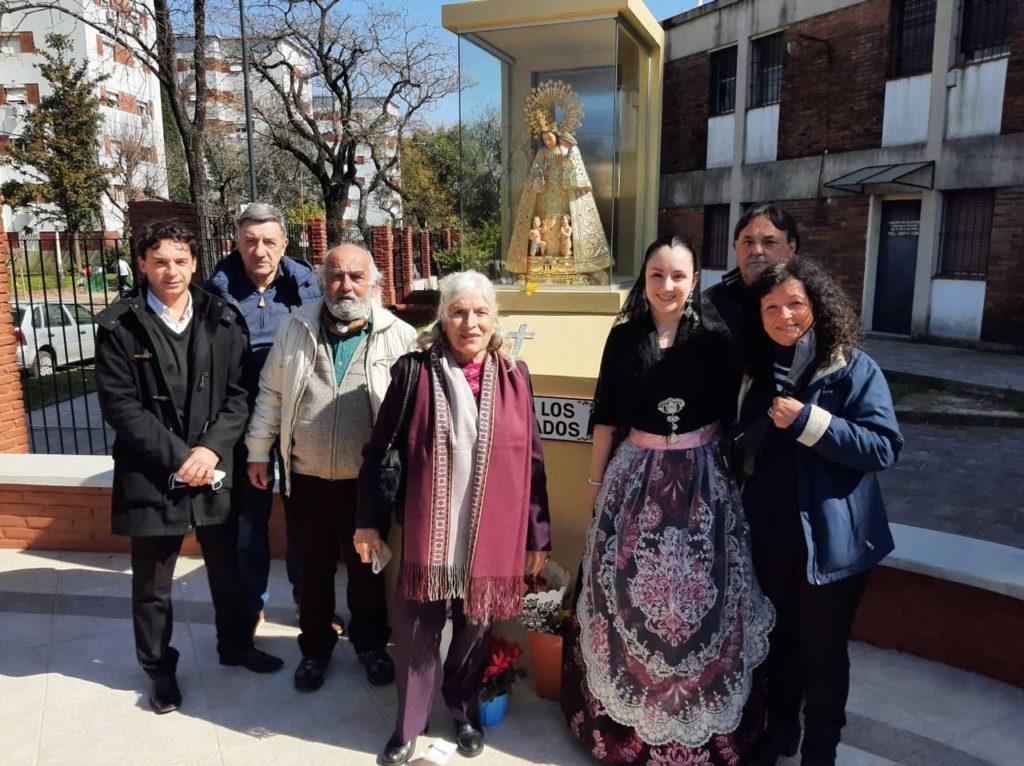 Algunos de los socios e integrantes de la junta directiva de 'El Turia' que asistieron a la misa.