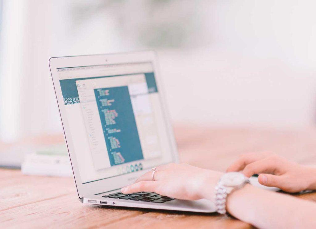En esta convocatoria Emigración incluye una nueva línea de ayudas para que las entidades puedan adquirir aplicaciones informáticas integrales de gestión.