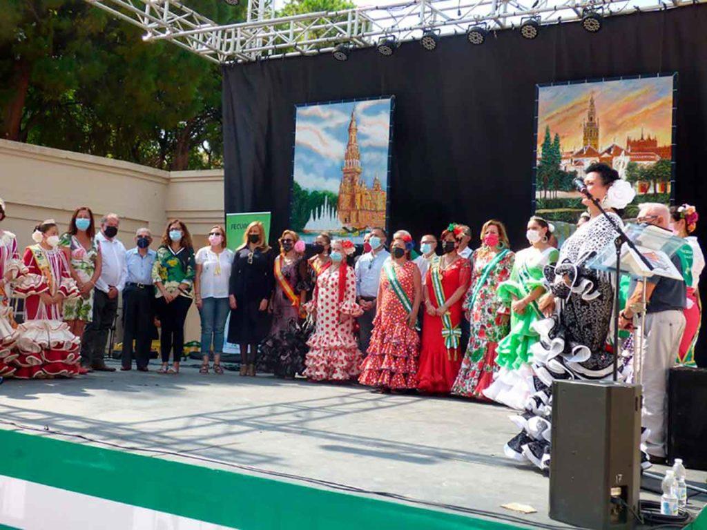 Representantes de las diferentes casas de Andalucía que participaron en el encuentro.